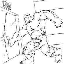 Hulk schlägt eine Tür ein