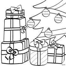 Weihnachtsgeschenke unter dem Weihnachtsbaum Ornament zum Ausmalen