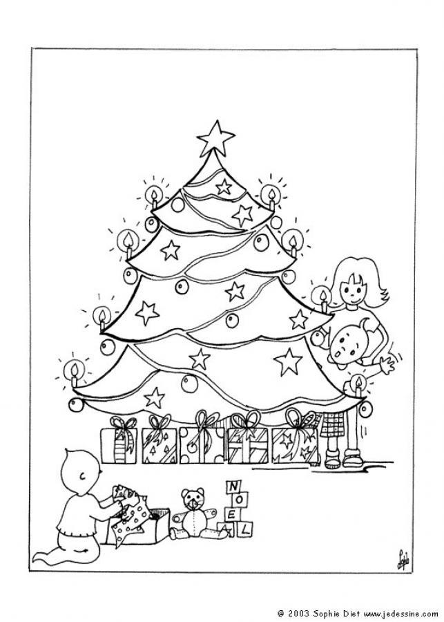 Kinder öffnen weihnachtsgeschenke zum ausmalen