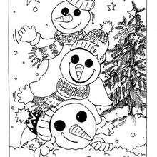 Schneemänner mit Weihnachtsbaum zum Ausmalen