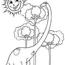 Diplodocus und Baum zum Ausmalen