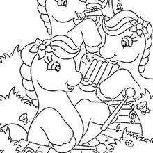 Ponies spielen Musik zum Ausmalen