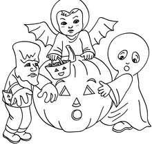 Halloween Kostüme zum Ausmalen