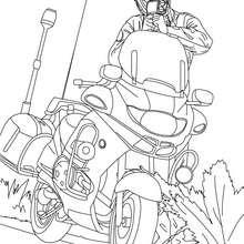 Motorradpolizist kontrolliert die Verkehrsgeschwindigkeit zum Ausmalen