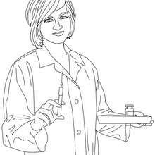 Krankenschwester bereitet die Medizin vor zum Ausmalen