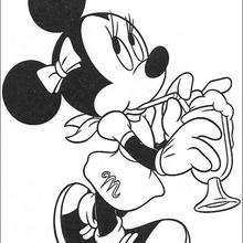 Minnie Maus mit Getränk