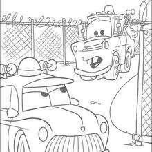 Cars: Mater und ein Polizeiauto