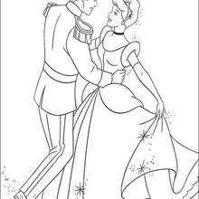 Aschenputtel tanzt mit dem schönen Prinz