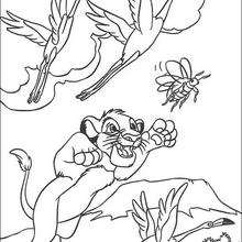Simba fängt einen Käfer