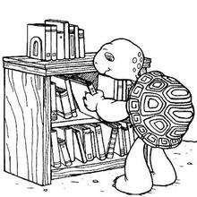 Harriet Schildkröte mit Büchern zum Ausmalen