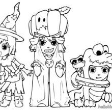 Ana, Teo und Matias tragen Halloweenkostüme zum Ausmalen