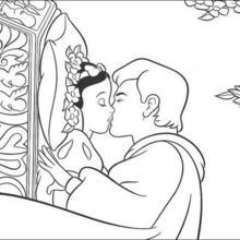 Prinz küsst Schneewittchen
