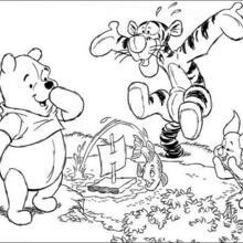 Pu, Tiger und Ferkel spielen mit einem Boot