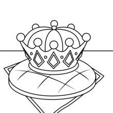 Dreikönigskuchen und Königskrone