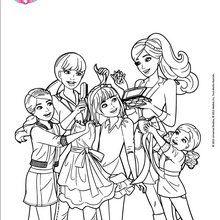 Barbie und ihre Schwestern in voller Sitzung Verjüngungskur