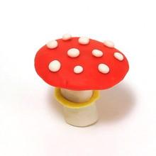 Pilze in Ton